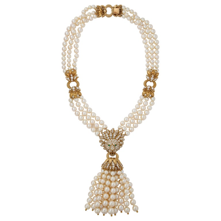 Iconic Van Cleef & Arpels Pearl and Diamond Lion Tassel Necklace For Sale