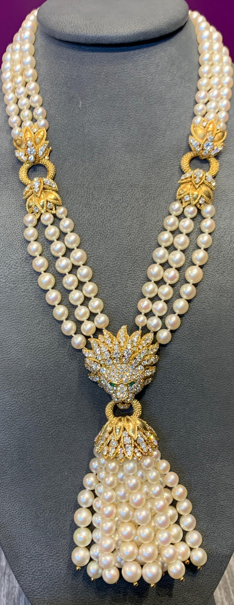 Iconic Van Cleef & Arpels Pearl and Diamond Lion Tassel Necklace For Sale 1