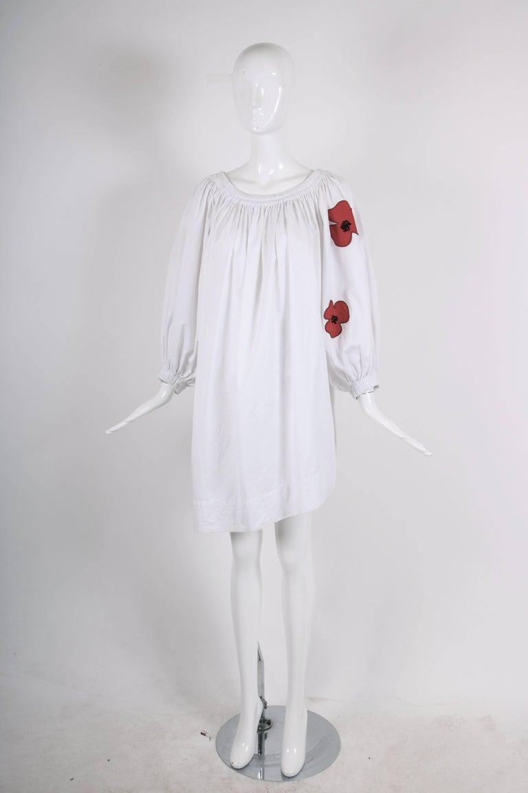 Yves Saint Laurent YSL White Cotton Asymmetric Day Dress with Poppies In Excellent Condition For Sale In Los Angeles, CA