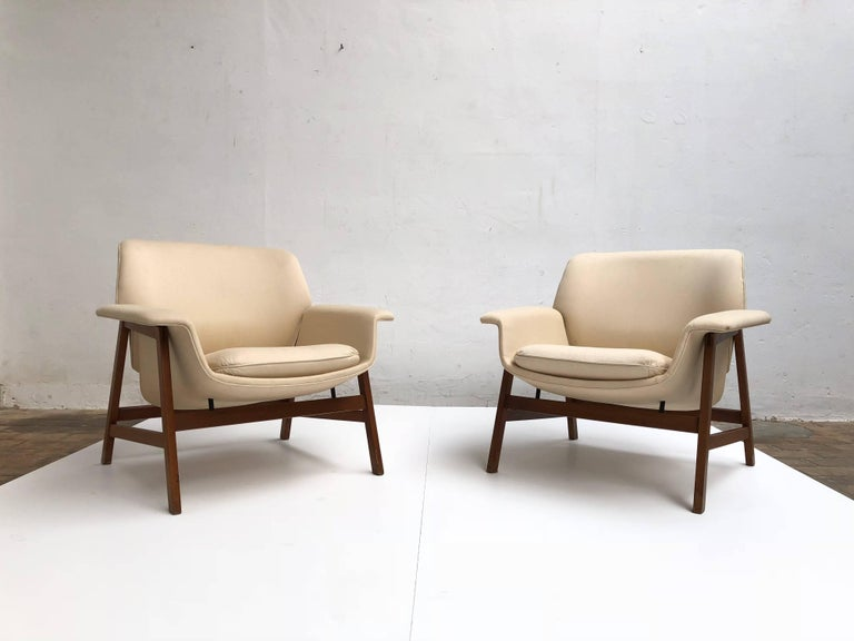Pair of lounge chairs by  Gianfranco Frattini , 1956,  choose your own fabric. In Good Condition For Sale In bergen op zoom, NL