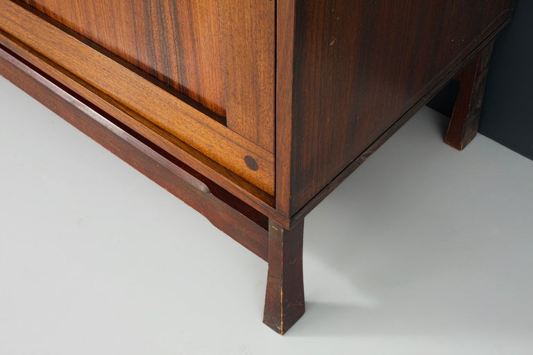 Idiosyncratic Italian Credenza with Flared Feet in Rosewood, 1970s For Sale 3