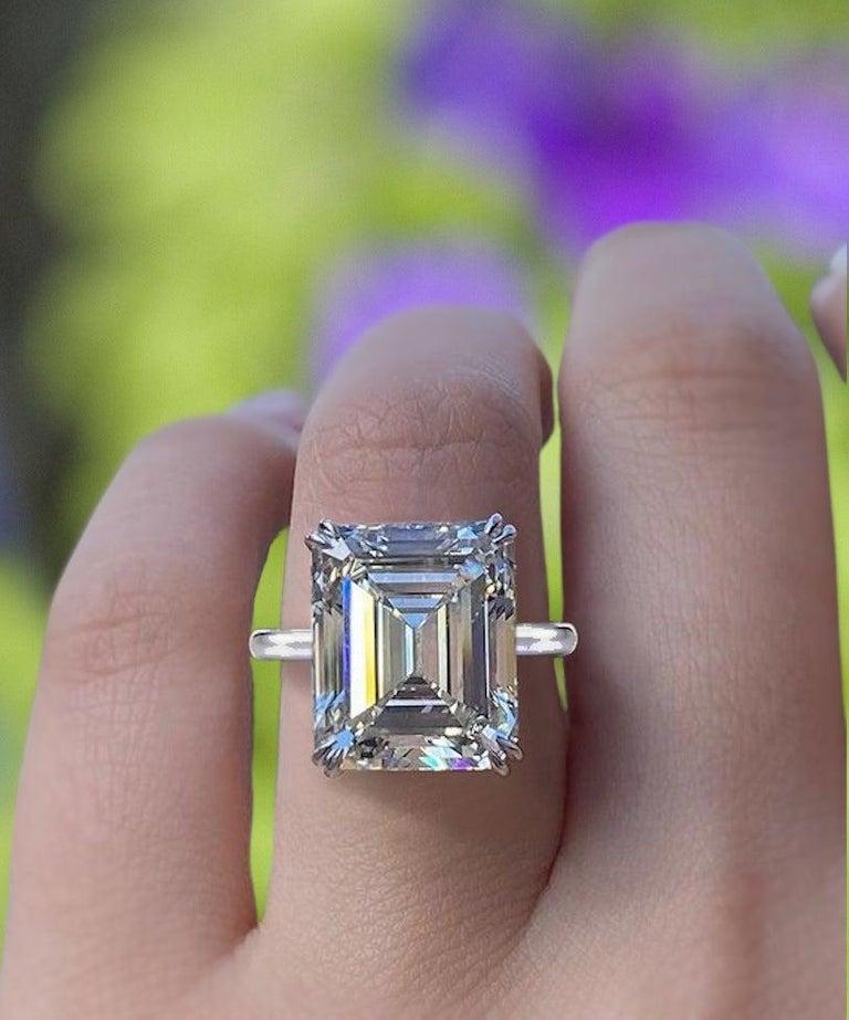Modern IGI ANTWERP 5 Carat Emerald Cut Diamond Ring For Sale