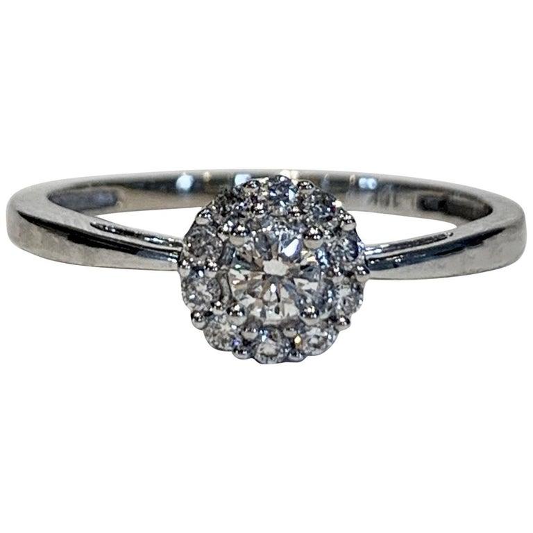 IGI Certified 0.25 Carat Diamond Cluster Ring in 18 Carat White Gold For Sale