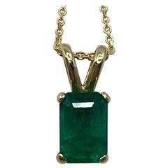 IGI Certified 0.86 Carat Deep Green Emerald 14 Karat Gold Pendant Necklace