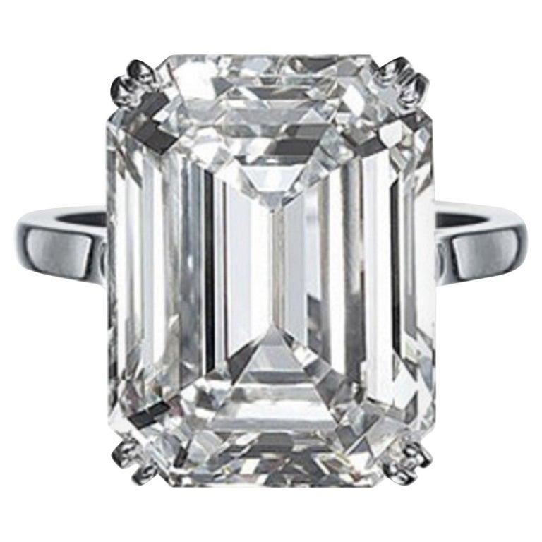IGI Certified 10.01 Carat Excellent Cut Emerald Diamond Ring For Sale