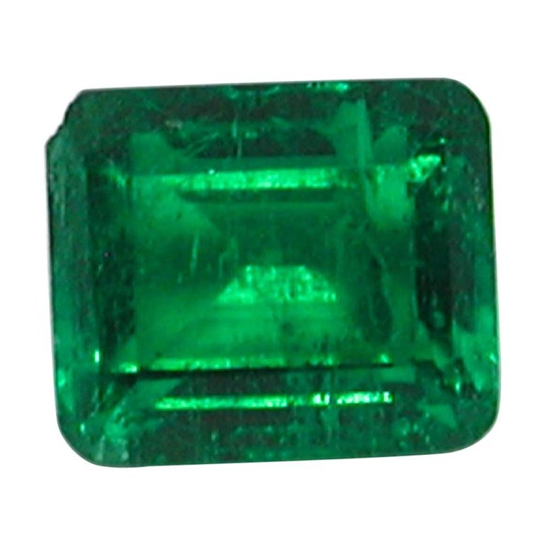 IGI Certified 10.42 Carat Colombia Green Emerald For Sale