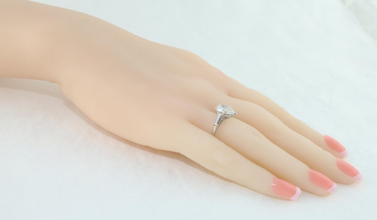 IGI Certified 1.41 Carat Pear Shape Diamond Platinum Engagement Ring In New Condition For Sale In New York, NY