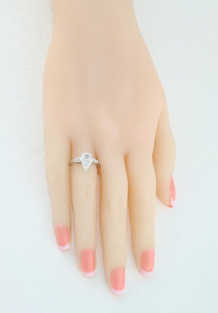 Women's IGI Certified 1.41 Carat Pear Shape Diamond Platinum Engagement Ring For Sale