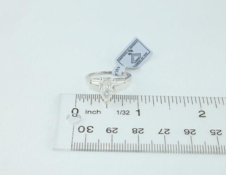 IGI Certified 1.41 Carat Pear Shape Diamond Platinum Engagement Ring For Sale 2