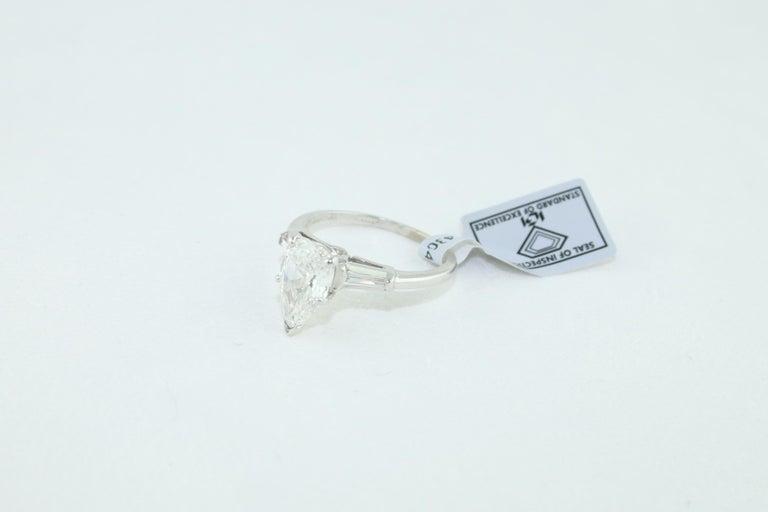 IGI Certified 1.41 Carat Pear Shape Diamond Platinum Engagement Ring For Sale 3