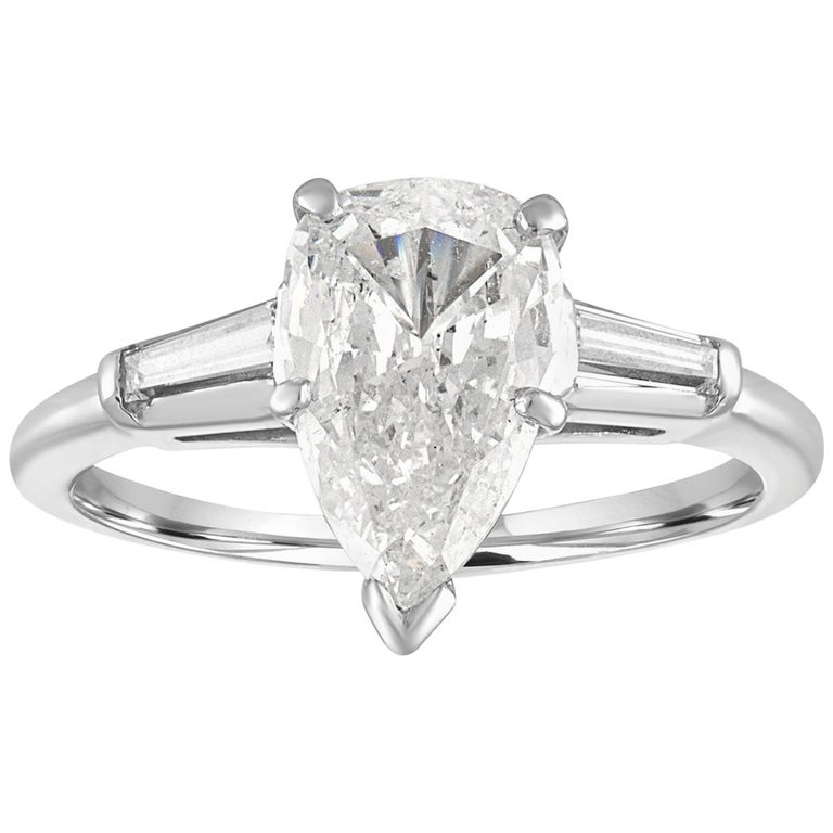 IGI Certified 1.41 Carat Pear Shape Diamond Platinum Engagement Ring For Sale