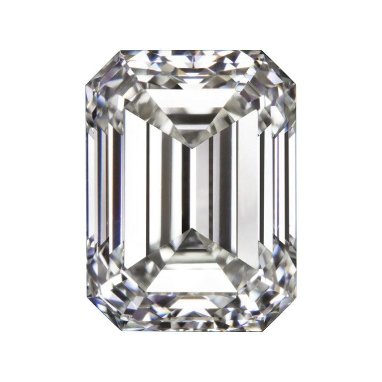 IGI Certified 2.54 Carat Emerald Cut Diamond For Sale