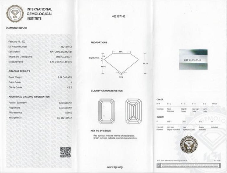 IGI Certified 3 Emerald Cut Solitaire Engagement Ring Platinum In New Condition For Sale In Rome, IT