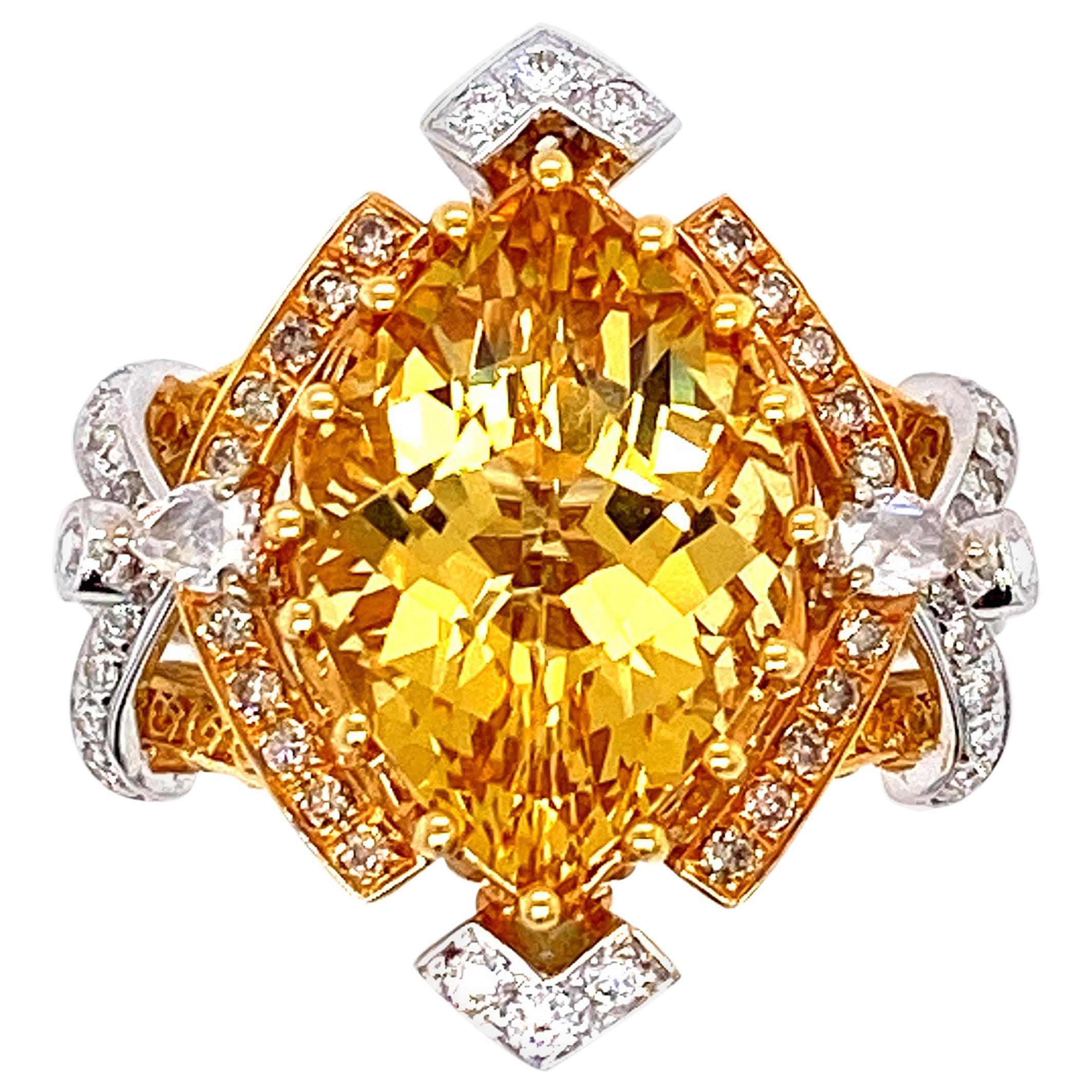 IGI Certified 5.25 Carat Yellow Beryl Engagement Ring in 18 Karat Gold