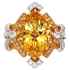 IGI Certified 5.25 Carat Yellow Beryl Engagement Ring in 18 Karat Gold