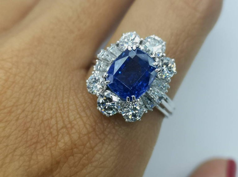 IGI Certified 5.30 Carat Natural Unheated Sapphire Diamond Ring For Sale 1