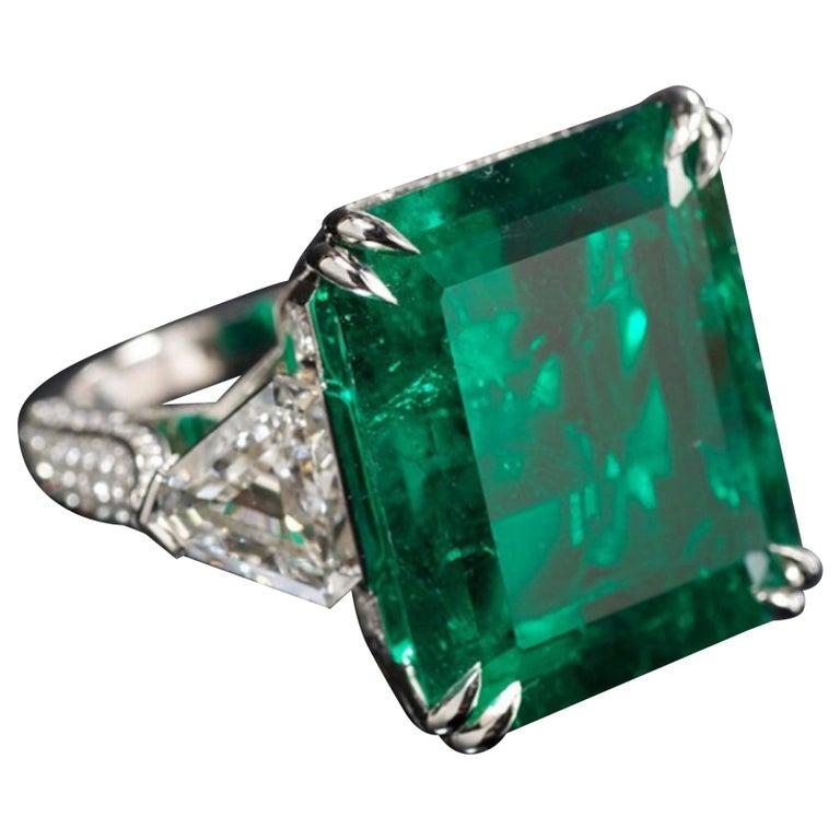 IGI Certified 7 Carat Natural Emerald Trillion Diamond For Sale