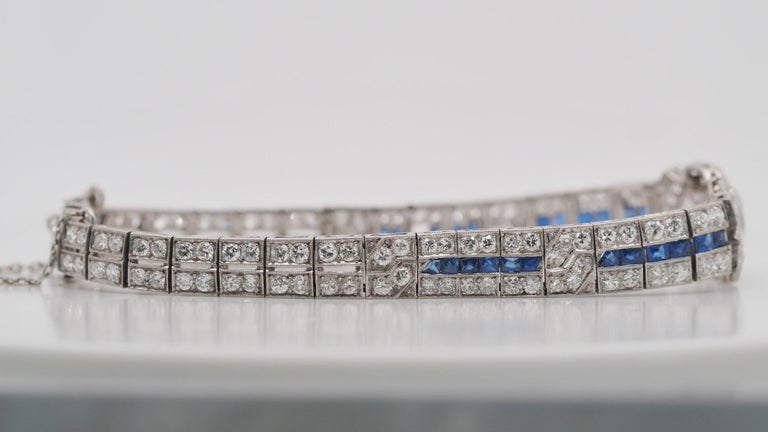 IGI Certified Art Deco Platinum Diamond and Sapphire Bracelet In Excellent Condition For Sale In Addison, TX