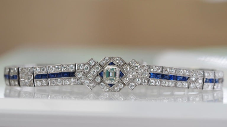 IGI Certified Art Deco Platinum Diamond and Sapphire Bracelet For Sale 4