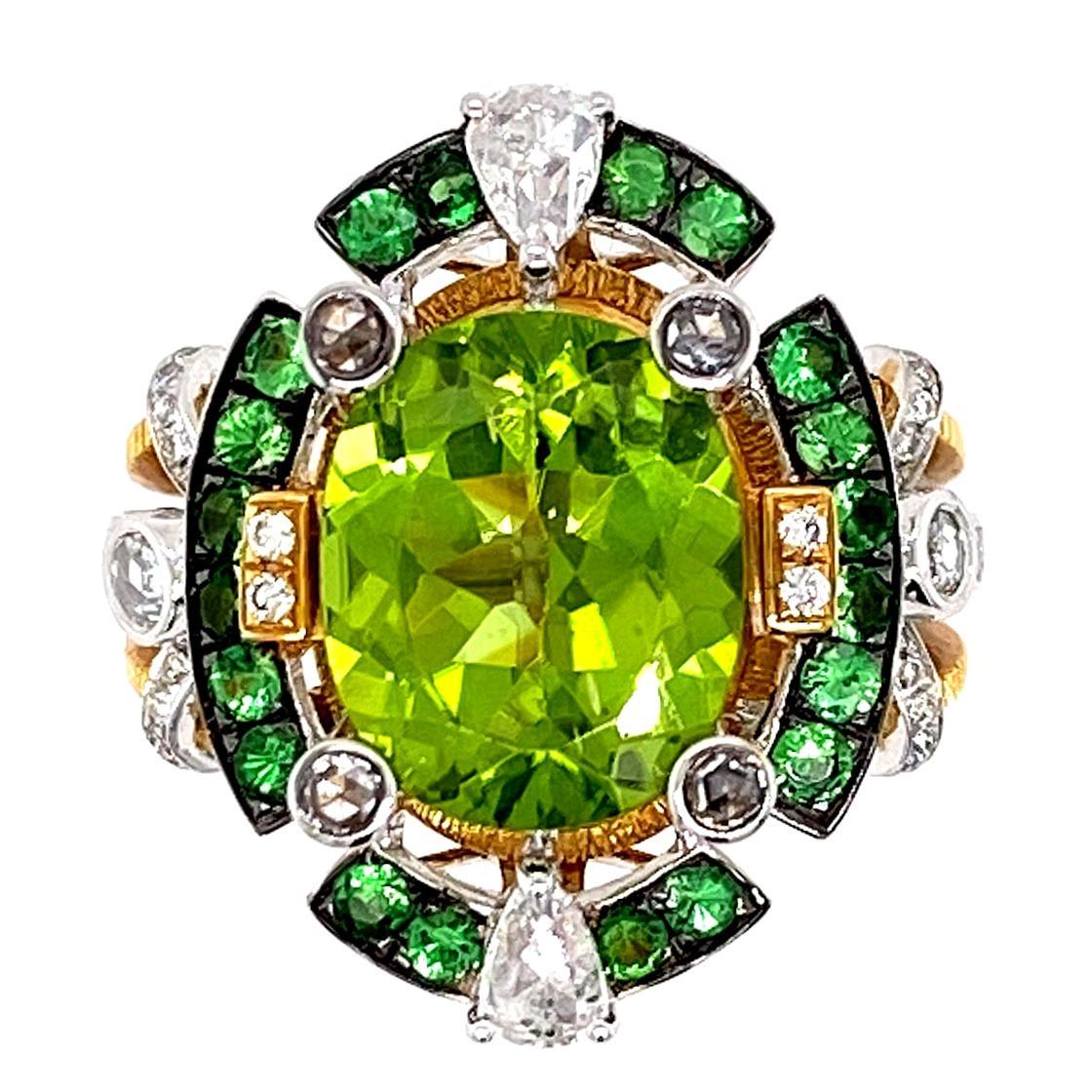 IGI Certified Peridot and Diamond Engagement Statement Ring in 18 Karat Gold