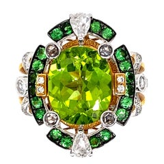 IGI Certified Peridot and Diamond Engagement Statement Ring in 18 Karat Gold