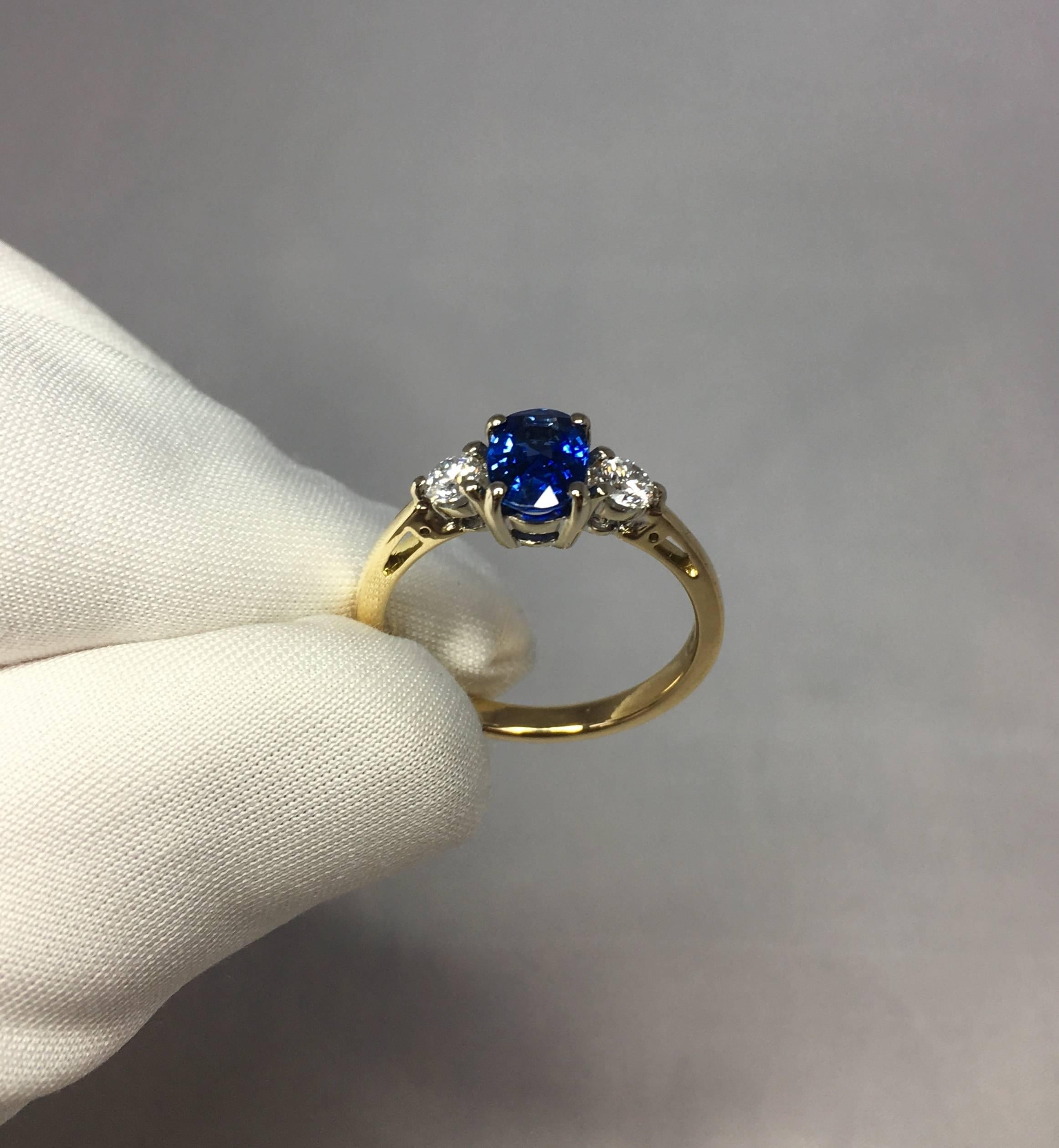 victorian weighing sapphire cut blue an vintage centered ring in pin carat and engagement gold single rings diamonds natural approximately with made yellow accented