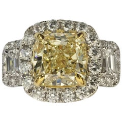 IGL Certified 3.00 Carat Yellow and White Diamond Ring