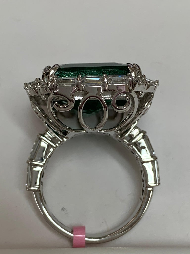 IGLCertified 23.98 Carat Emerald and a Diamond Ring For Sale 1