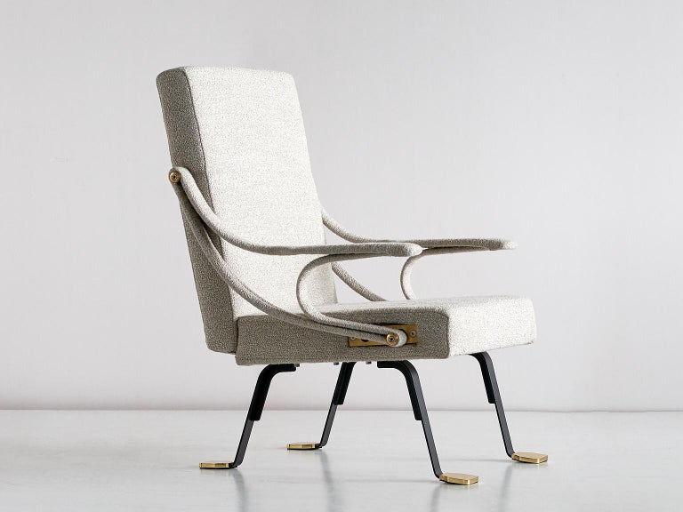 Ignazio Gardella 'Digamma' Armchair in Beige Raf Simons Kvadrat Bouclé Fabric For Sale 3