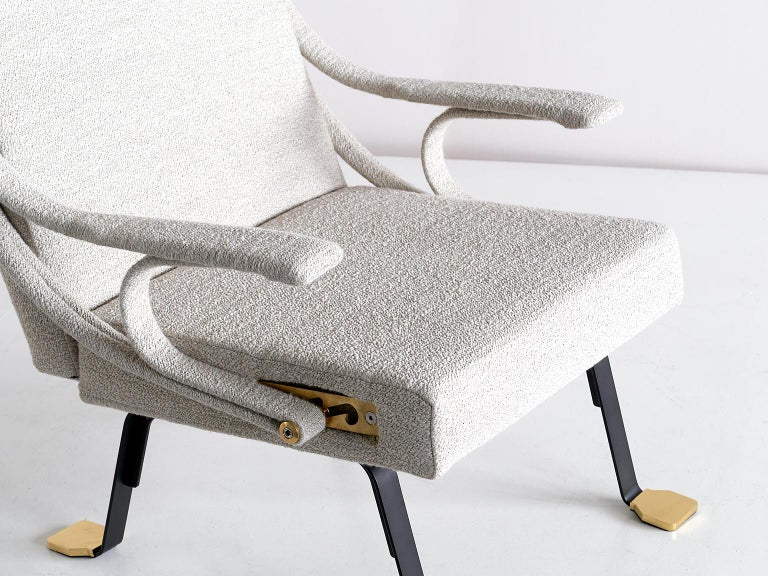 Ignazio Gardella 'Digamma' Armchair in Beige Raf Simons Kvadrat Bouclé Fabric In New Condition For Sale In The Hague, NL