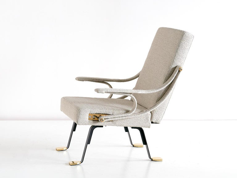 Ignazio Gardella 'Digamma' Armchair in Beige Raf Simons Kvadrat Bouclé Fabric For Sale 1