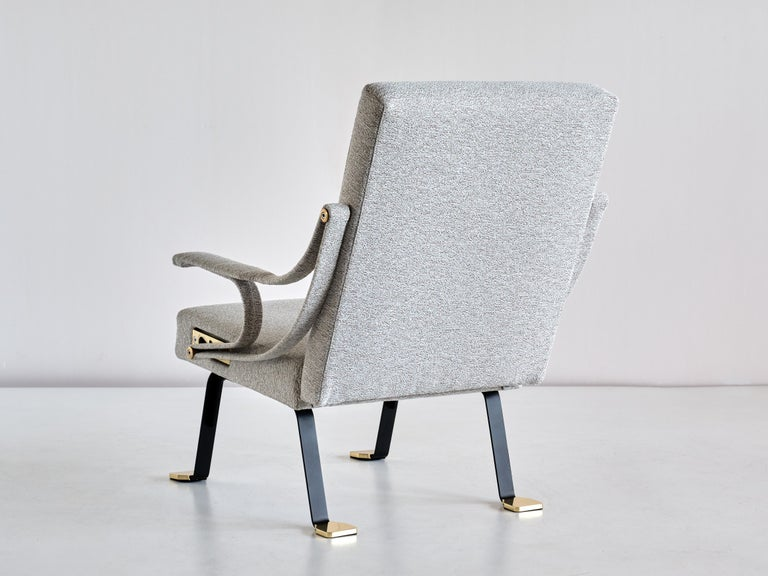 Ignazio Gardella 'Digamma' Armchair in Ivory Lelièvre Bouclé Fabric and Brass For Sale 3