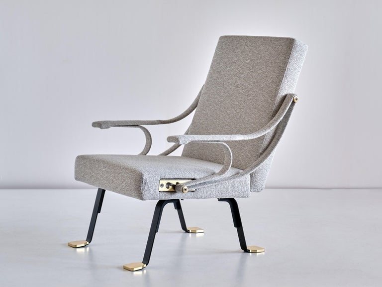 Ignazio Gardella 'Digamma' Armchair in Ivory Lelièvre Bouclé Fabric and Brass For Sale 5