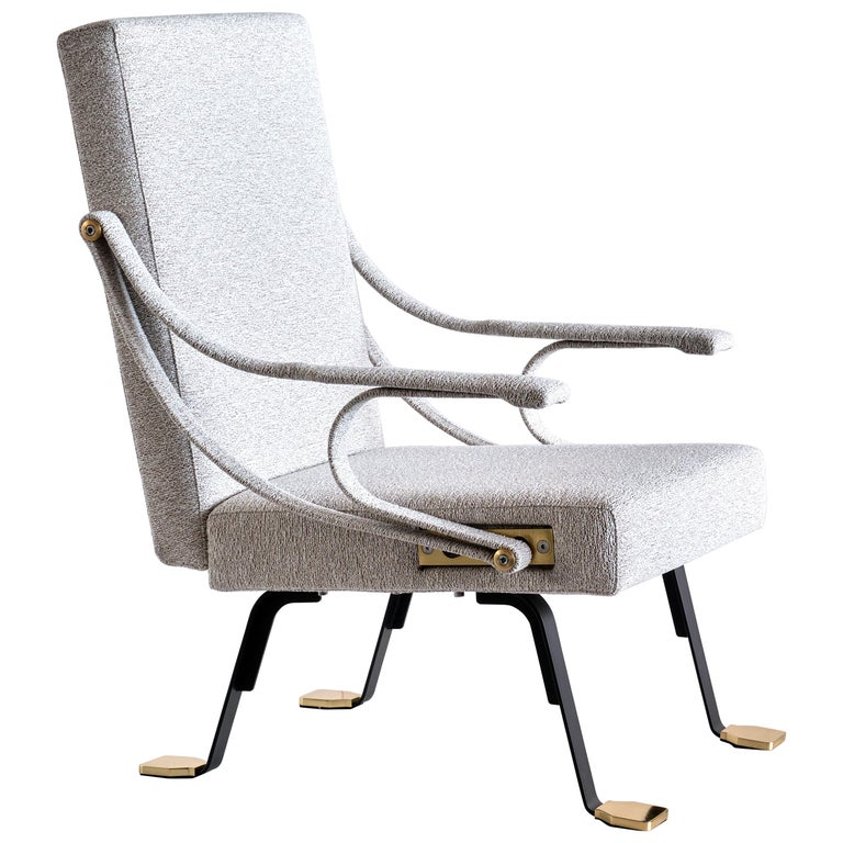 Ignazio Gardella 'Digamma' Armchair in Ivory Lelièvre Bouclé Fabric and Brass For Sale