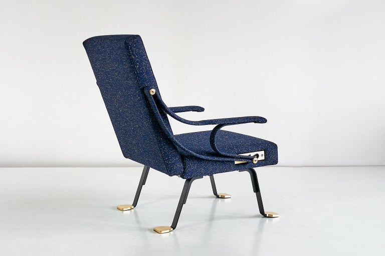 Ignazio Gardella Digamma Armchair in Navy Raf Simons Kvadrat Fabric and Brass In Excellent Condition In The Hague, NL