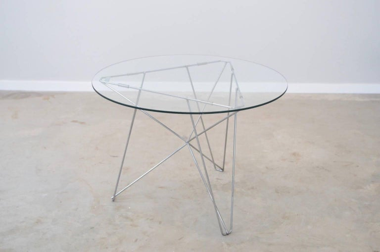 On invitation of Martin Visser (then head of the design department of Spectrum) the artist and Cobra co-founder Constant designed the IJhorst table in 1953. The table was manufactured by 't Spectrum in limited numbers. In 1986 his partner Adele van