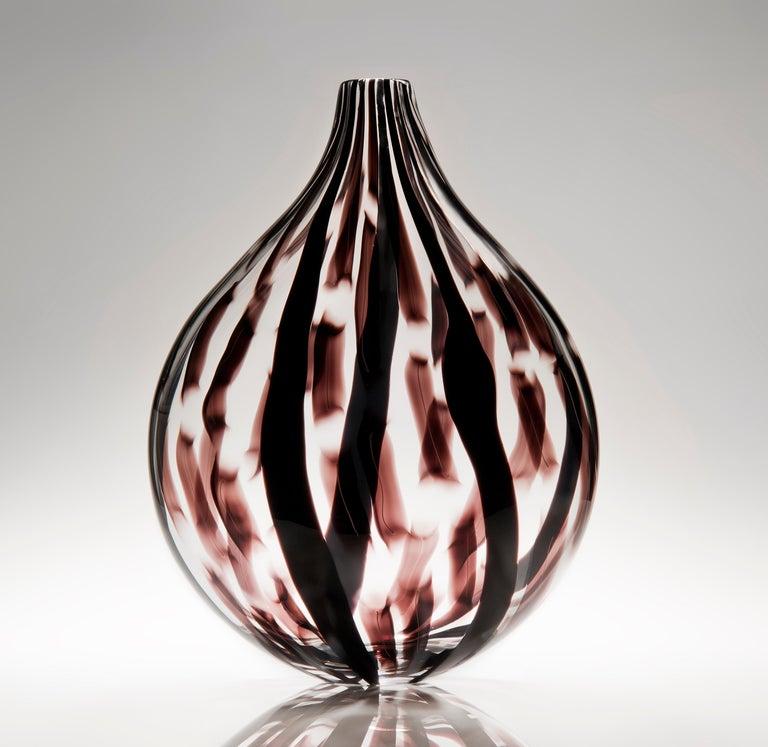Ikate II, a clear & aubergine / black Glass blown Sculpture by Ann Wåhlström For Sale 1