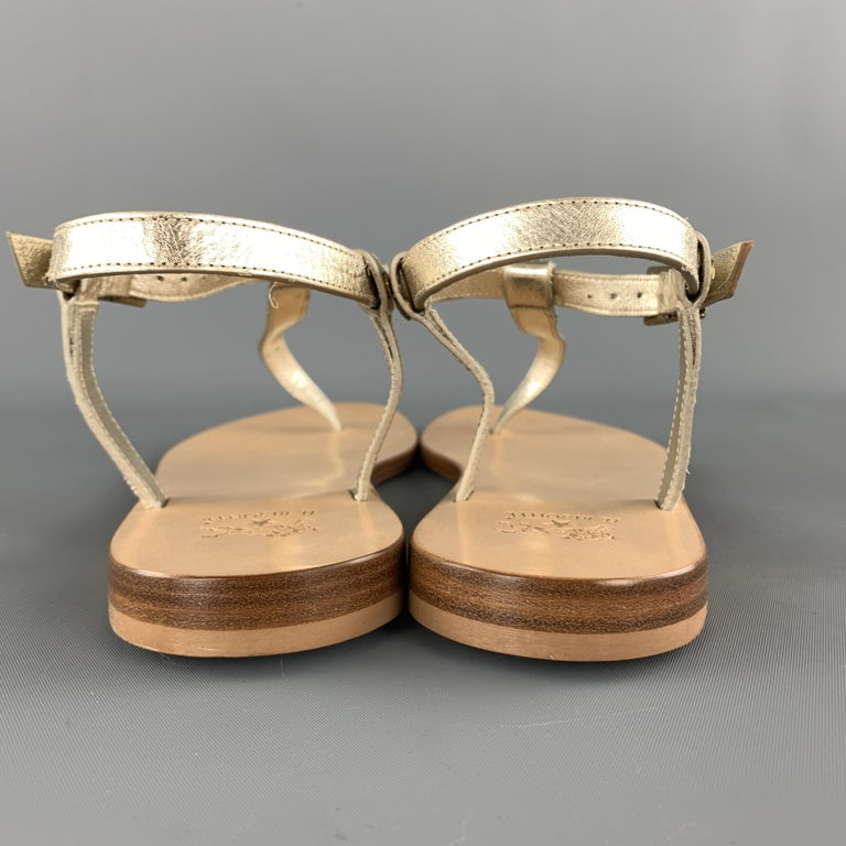 IL BISONTE Size 7 Champagne Gold Leather VERSILLA T-strap Thong Sandals For Sale 1