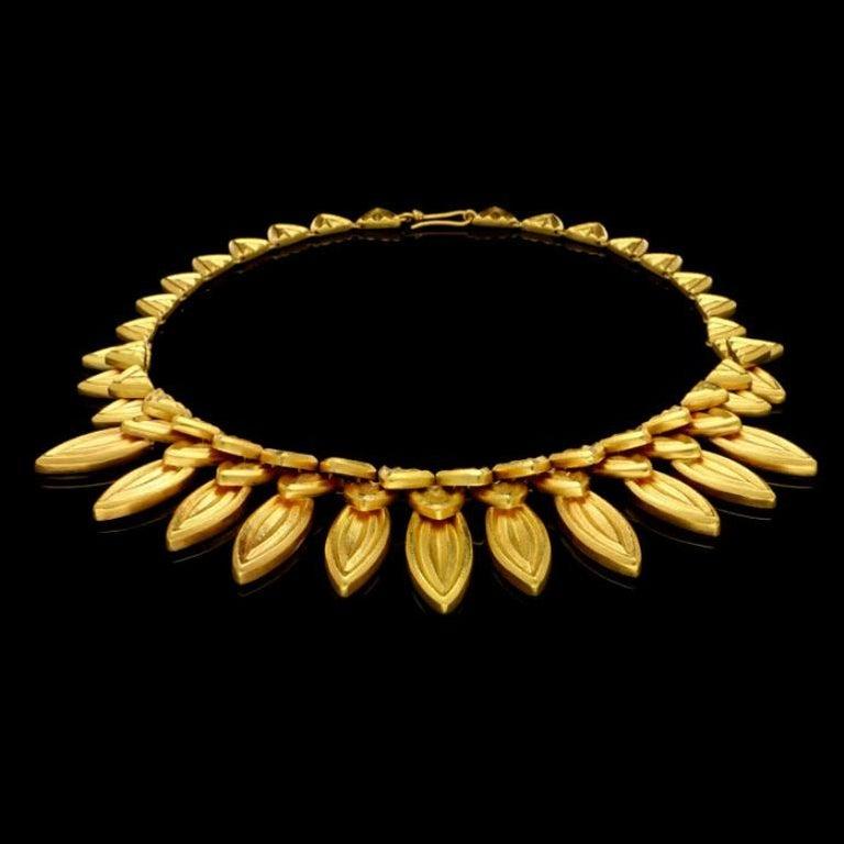 Hellenistic Ilias Lalaounis 18 Carat Gold Fringe-Style Leaf Necklace, circa 1980s For Sale