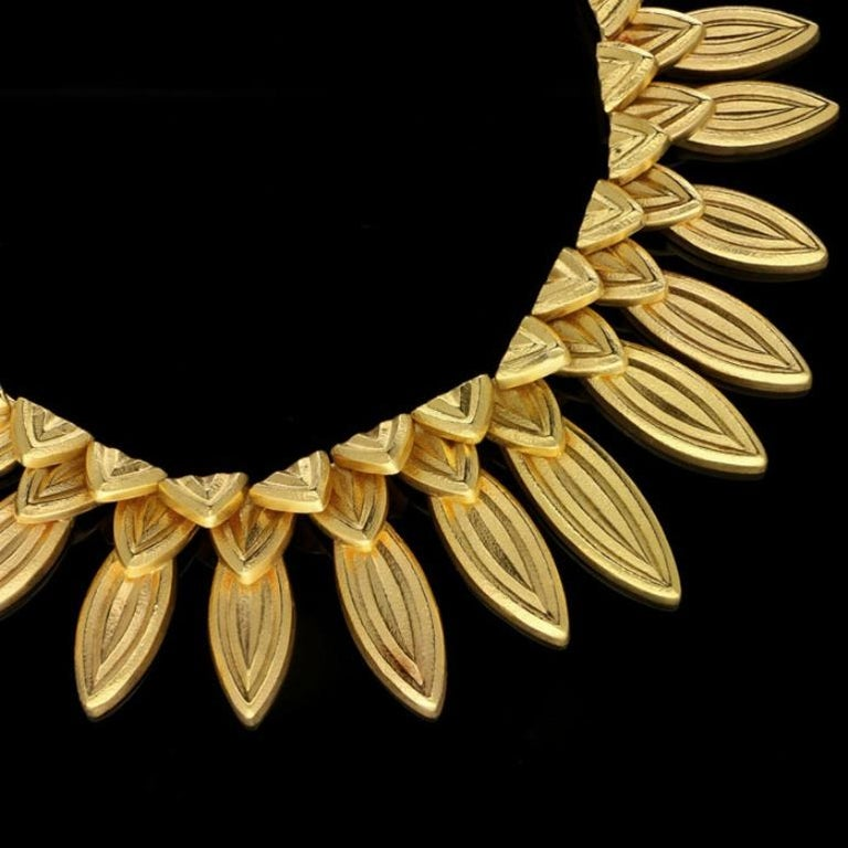Ilias Lalaounis 18 Carat Gold Fringe-Style Leaf Necklace, circa 1980s In Good Condition For Sale In London, GB