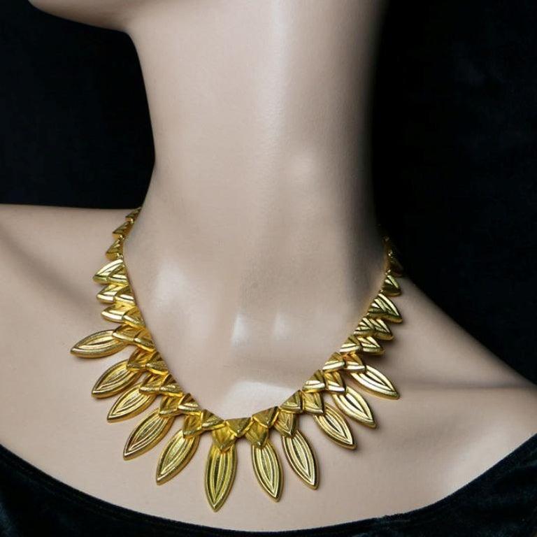 Women's or Men's Ilias Lalaounis 18 Carat Gold Fringe-Style Leaf Necklace, circa 1980s For Sale