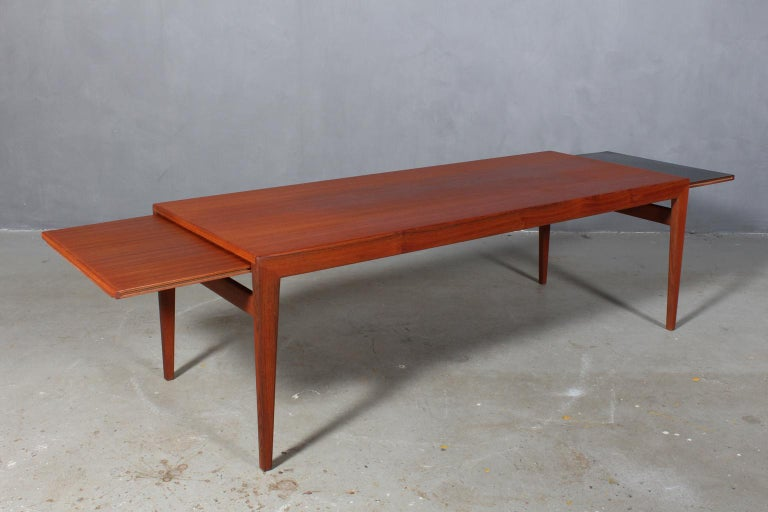 Mid-20th Century Illum Wikkelsø Coffee Table For Sale