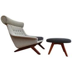 Illum Wikkelsø, Danish Vintage Design, Teak Wood, Wool, Completely Renovated