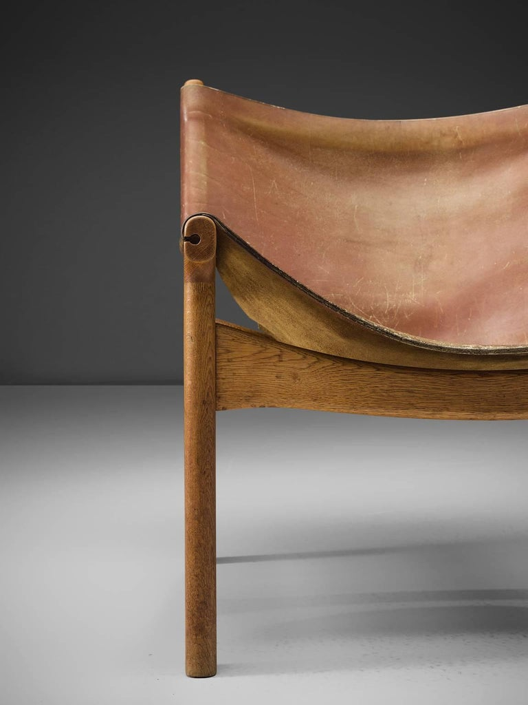 Mid-20th Century Illum Wikkelsø Easy Chair in Oak and Leather For Sale