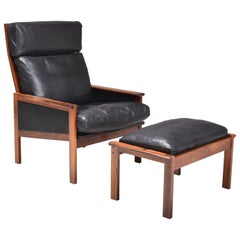 """Illum Wikkelsø Easy Chair with Ottoman """"Capella"""", Rosewood and Black Leather"""