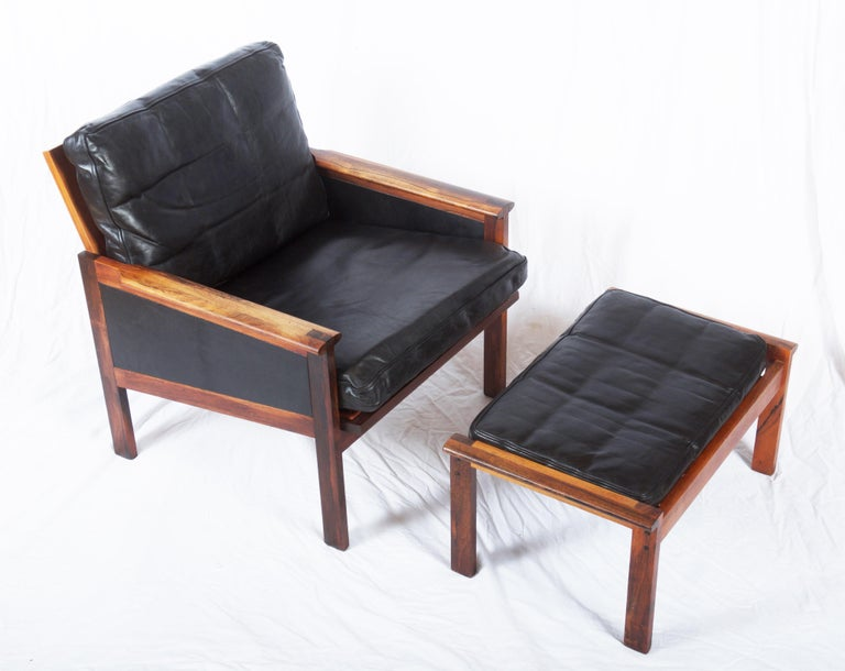 Illum Wikkelsø Easy Chairs with Ottoman Model Capella For Sale 1