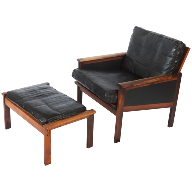 Illum Wikkelsø Easy Chairs with Ottoman Model Capella For Sale