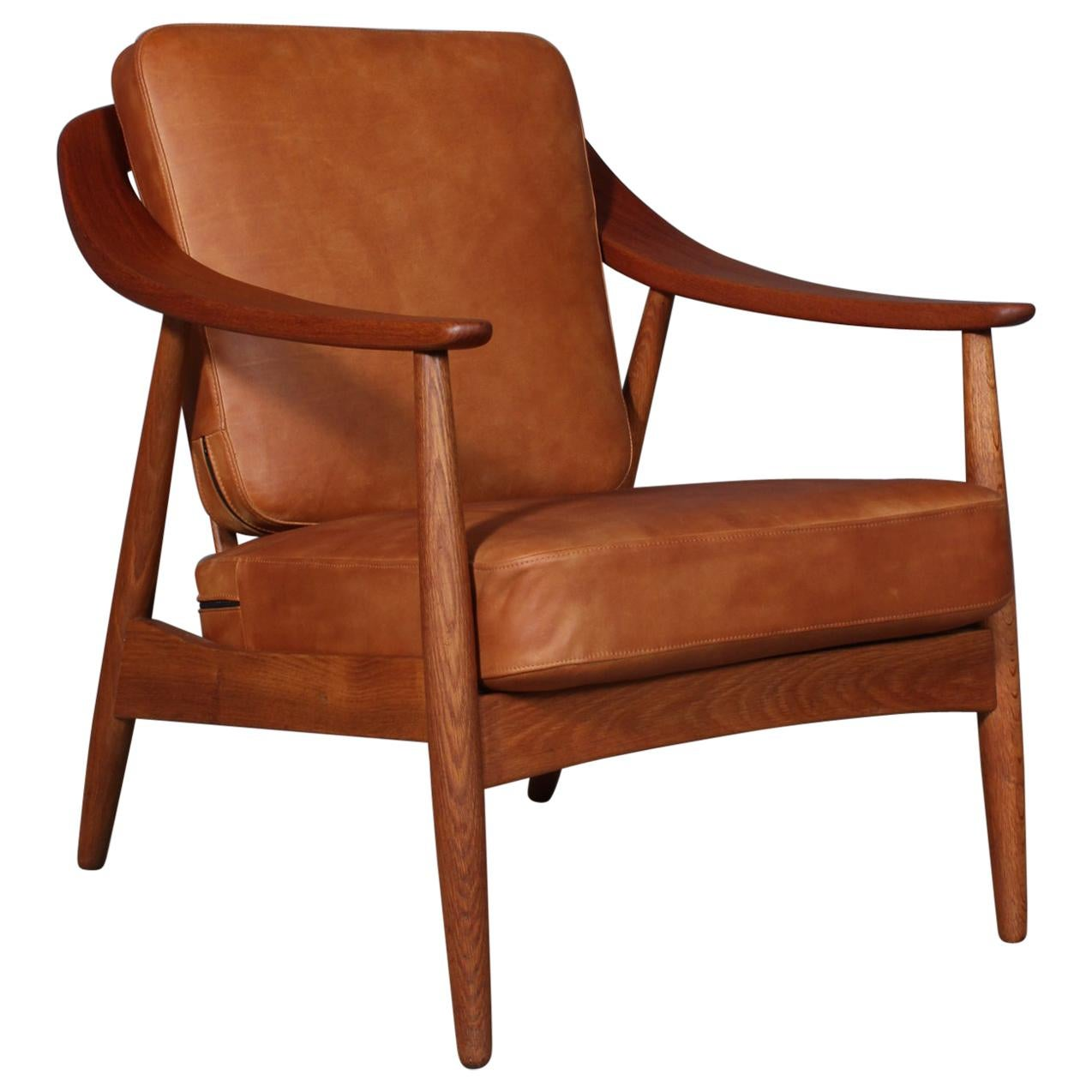 Illum Wikkelsø Lounge Chair