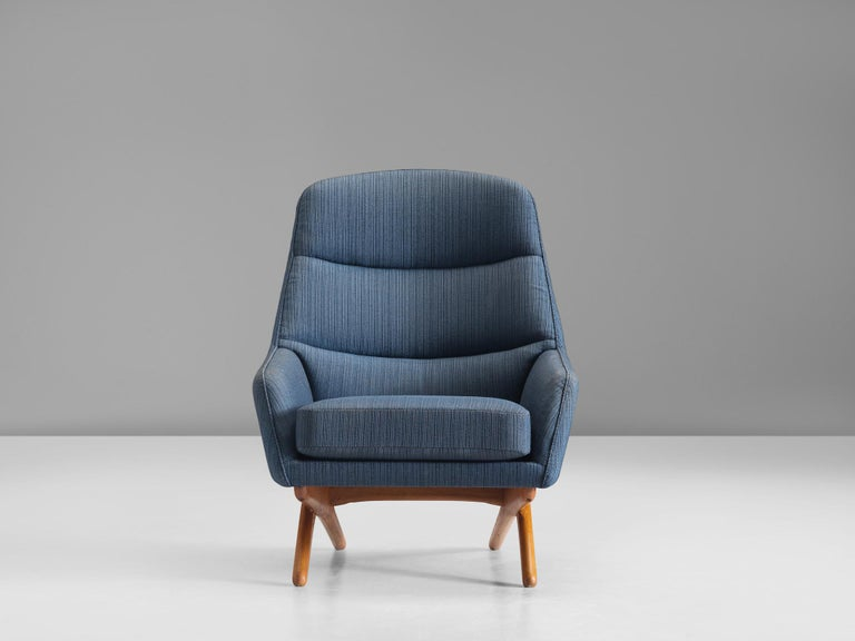 Scandinavian Modern Illum Wikkelsø Lounge Chair in Blue Upholstery For Sale