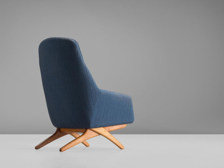 Illum Wikkelsø Lounge Chair in Blue Upholstery In Good Condition For Sale In Waalwijk, NL